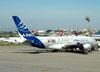 Airbus A380-861, F-WWDD, da Airbus, estacionado no aeroporto de Cumbica, em Guarulhos. (22/03/2012)