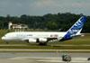 Airbus A380-861, F-WWDD, da Airbus, taxiando no aeroporto de Cumbica, em Guarulhos. (22/03/2012)