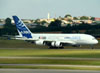 Airbus A380-861, F-WWDD, da Airbus, pousando na pista 27R do aeroporto de Cumbica, em Guarulhos. (22/03/2012)