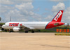 Airbus A320-214, PR-MHB, da TAM. (19/02/2016)