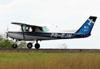Cessna 152, PR-EJN, da EJ Escola de Aviação Civil. (22/02/2014)