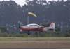 Embraer T-27 Tucano, FAB 1386, da Academia da Força Aérea, pouco antes e tocar o solo.