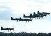 Decolagem dos sete Embraer EMB-312 Tucano, designados pela Força Aérea Brasileira como T-27, do EDA (Esquadrão de Demonstração Aérea), conhecido popularmente como Esquadrilha da Fumaça.