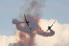 Dois T-27 Tucanos da Esquadrilha da Fumaça antes do cruzamento. Foto: Carlos Patrício.