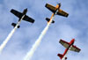 Aviões sobrevoam a Air Venture. (30/07/2013) Foto: Celia Passerani.