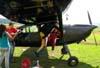 Pára-quedistas embarcando no Cessna 180D, PT-BMG, do Skydive Ribeirão. Fotógrafo / Photographer: Ricardo Rizzo Correia.